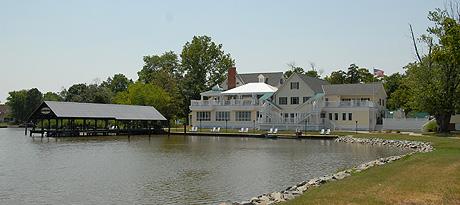 The Oaks Waterfront Inn - Royal Oak, MD